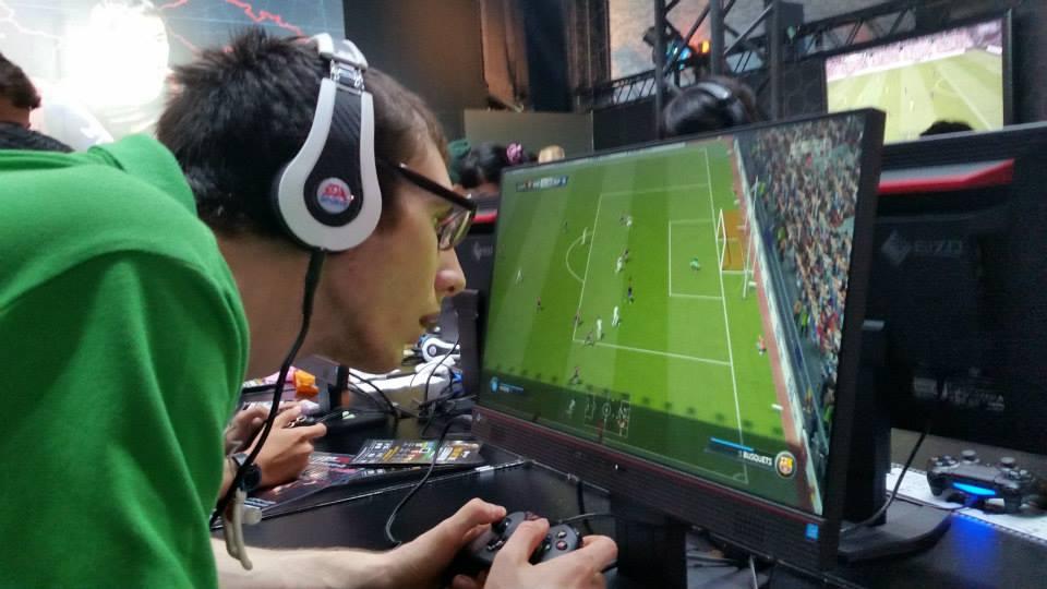 ทดลองเล่น FIFA 15 กันแบบเต็มอิ่ม